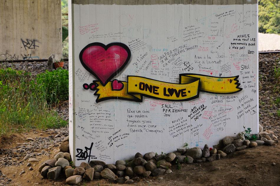 """One Love, Lucens (CH), 27.05.2009. <a href=""""http://maps.google.com/maps?q=46.70208667,6.83796000&spn=0.001,0.001&t=k&hl=de"""" rel=""""nofollow"""" target=""""_blank"""">Zeige Standort</a>"""